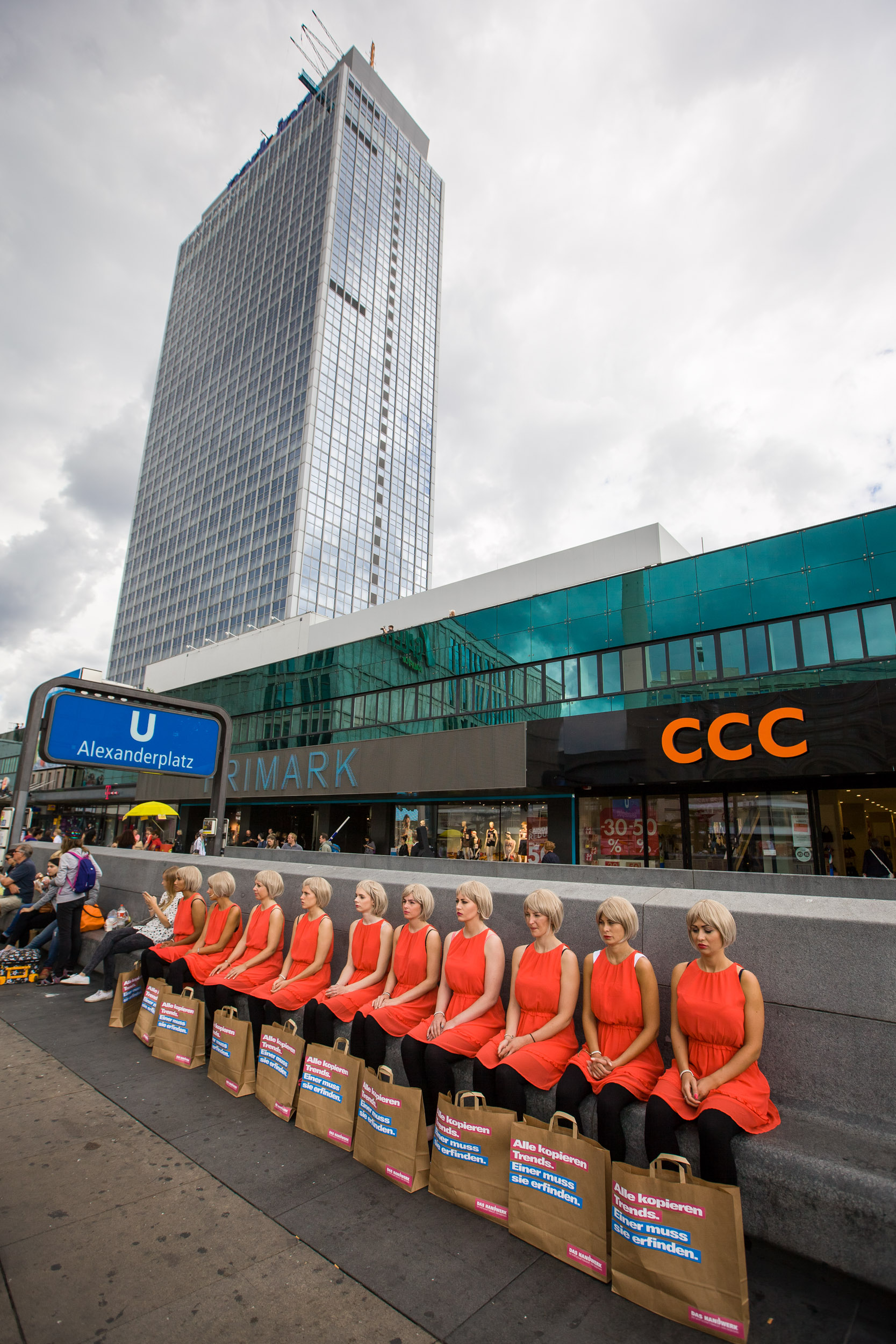 Flashmob Berlin Alexanderplatz 16