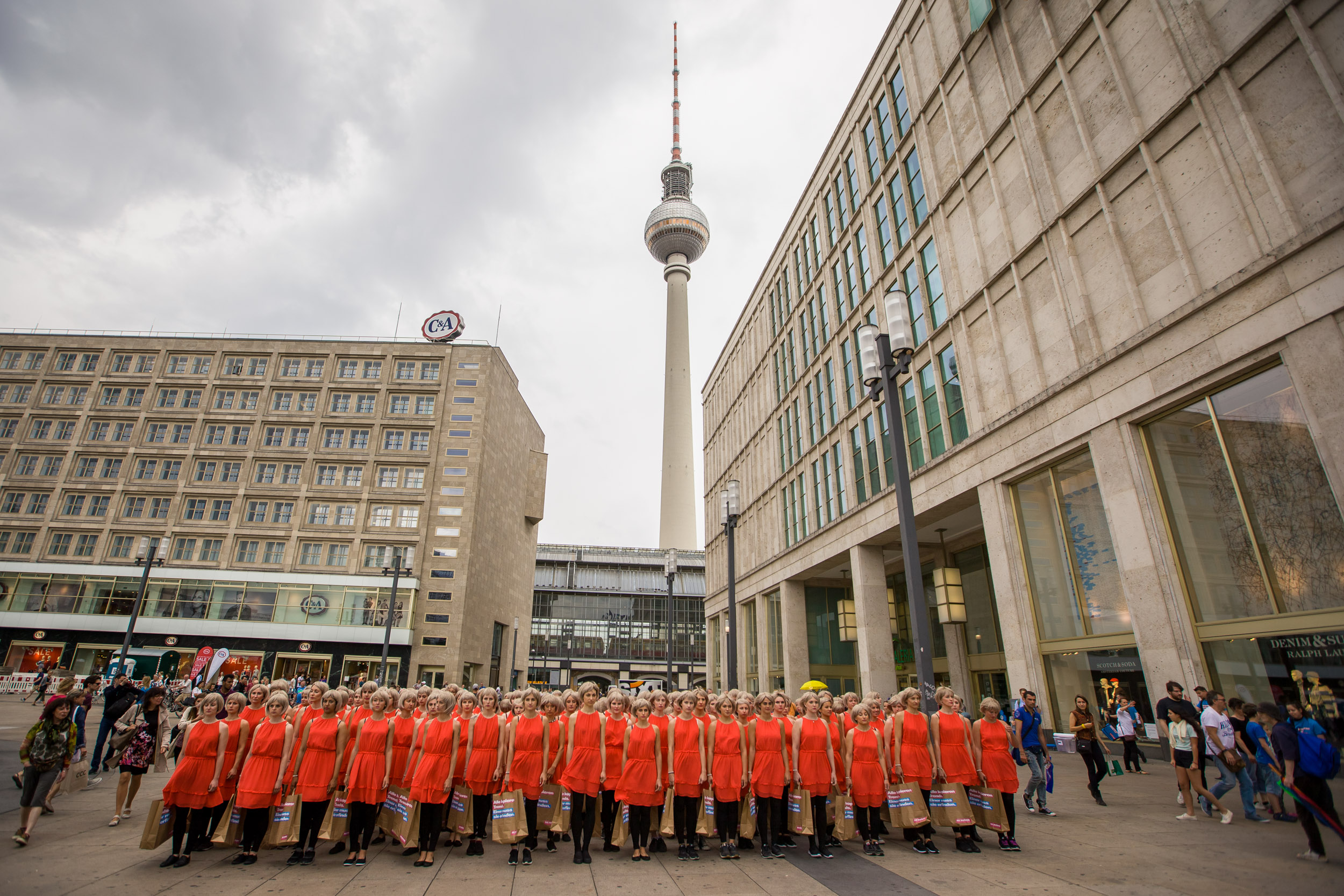 Flashmob Berlin Alexanderplatz 17